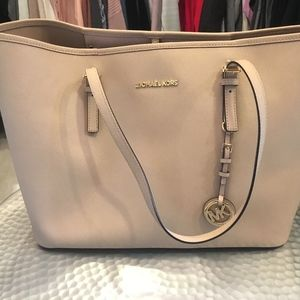 Michael Kors Jet Set Travel